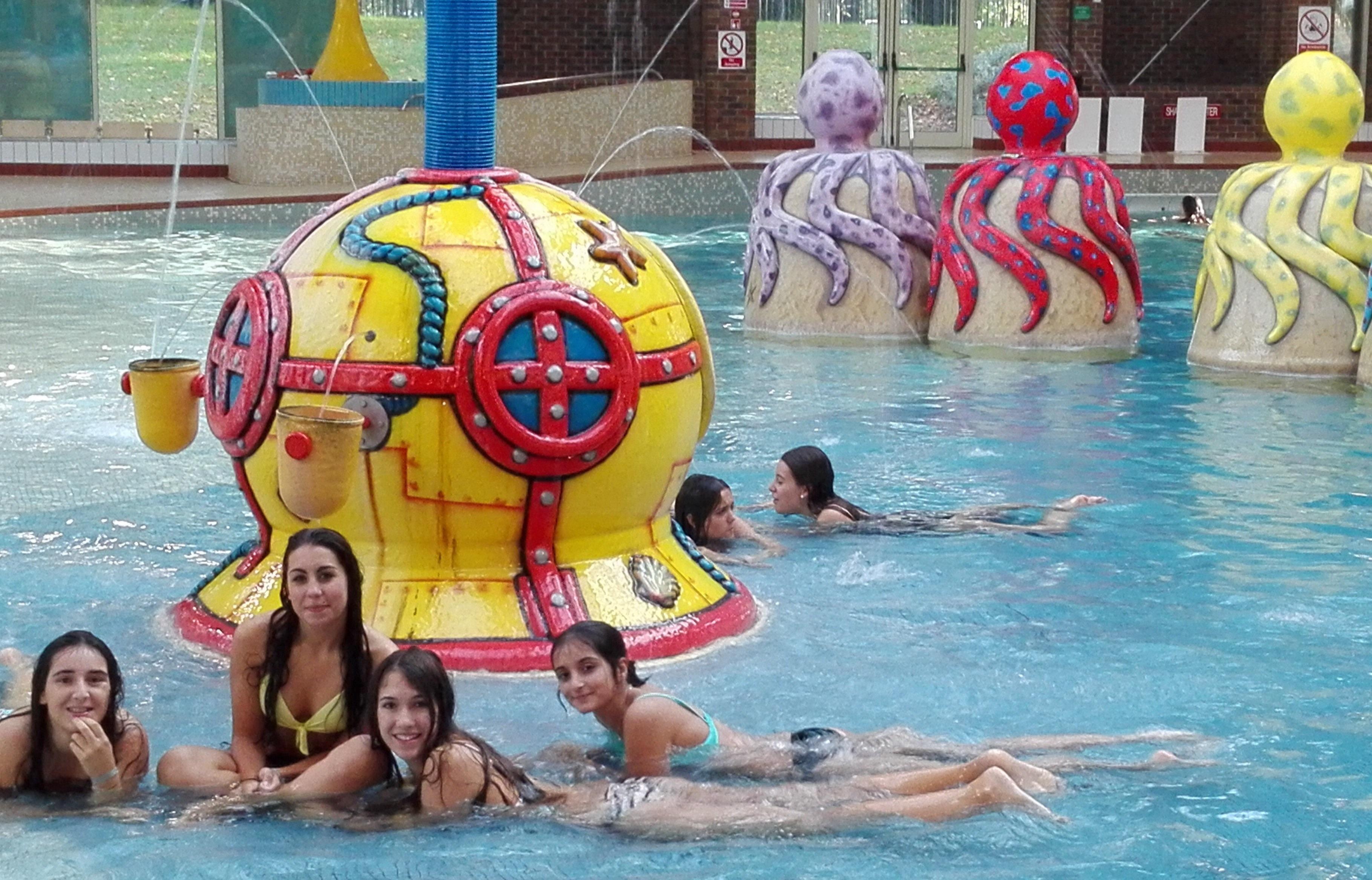 24 de septiembre tarde de piscina blog vigo en ingl s for Piscina en ingles