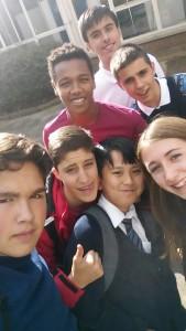 Álex V, Álex R, Gebre, Rodri y Fran con sus buddies