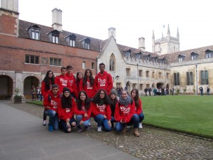En los jardines del Pembroke College en Cambridge