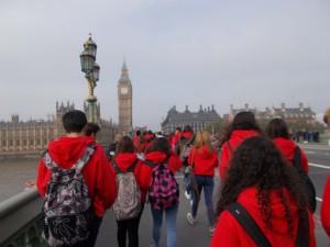 Cruzando el Westminster Bridge
