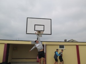 Andres slam dunk