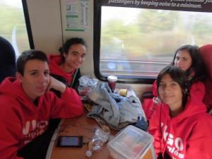 Jaime, Carolina, Yago e Marta no tren a York