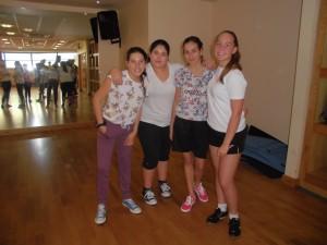 Maria, Agus, Tania e Sara na clase de zumba