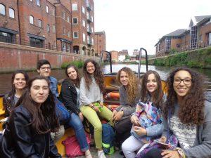 Mónica Laura Irene Laura Candela Jaime Irene y Carolina en el water taxi