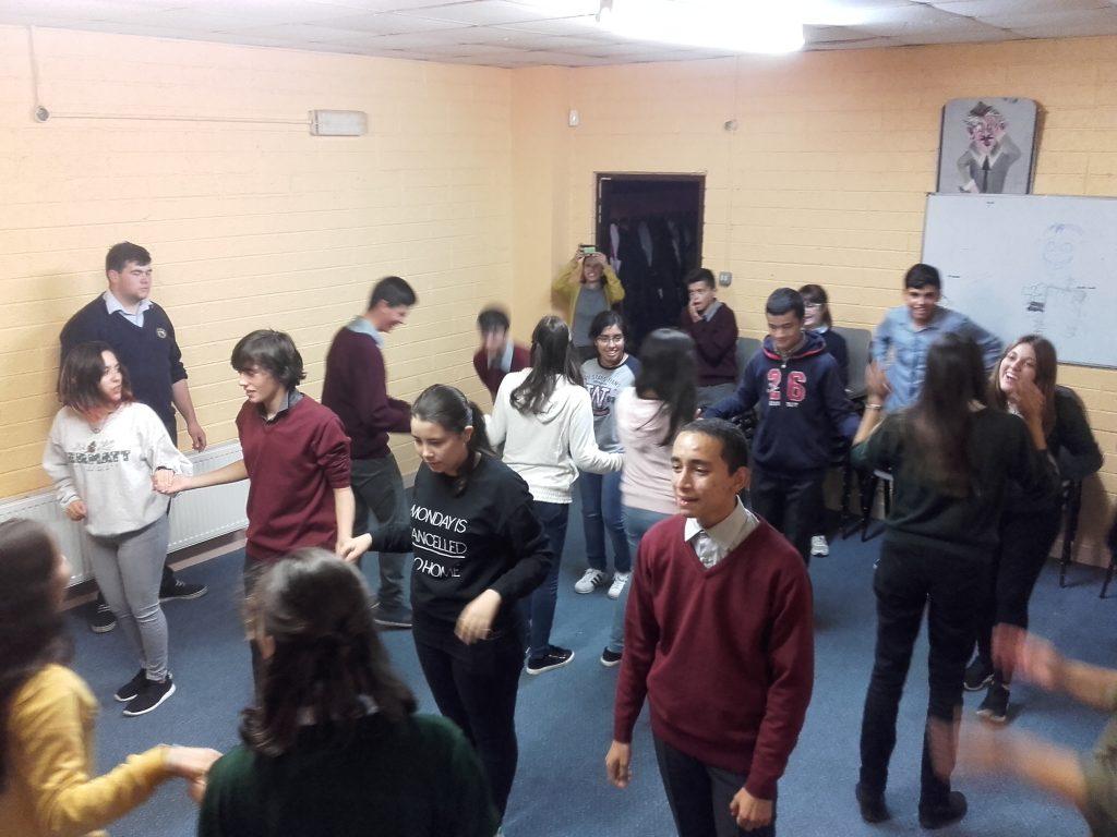 Grupal bailando