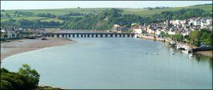 Puente sobre el r'io Torridge y Bideford a la derecha